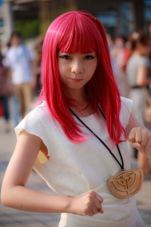 c84-day-1-cosplay-very-hot-indeed-18