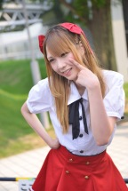 c84-day-1-cosplay-very-hot-indeed-50