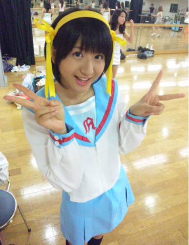 Mao Kanjou por outro lado é conhecida pelo público como uma das melhores cosplays de  Haruhi Suzumiya.