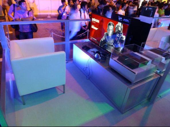 Os lounges premium contou com uma cadeira confortável, TV de tela grande, e fones de ouvido para uma experiência de demonstração ideal.